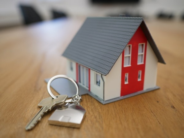 toy-house-and-key